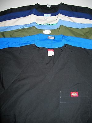 Lot Of 7 Unisex Scrub Tops Solid Colors Chest Pocket  Size Med  (Box 331)