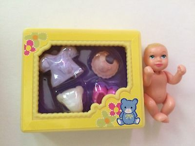 Mattel Happy Family Barbie baby & clothes