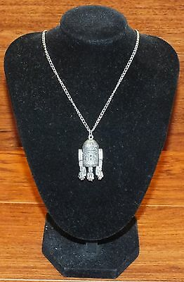Vintage 1977 Star Wars R2D2 Metal 20th Century Fox Collectible Jewelry Necklace!
