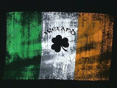 IRELAND Irish Flag and Clover T-Shirt XL