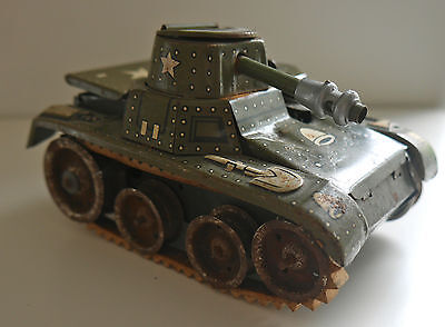 VINTAGE GAMA TINPLATE TANK DGRM WESTERN GERMANY C. 1950's SPARK WORKING W. KEY