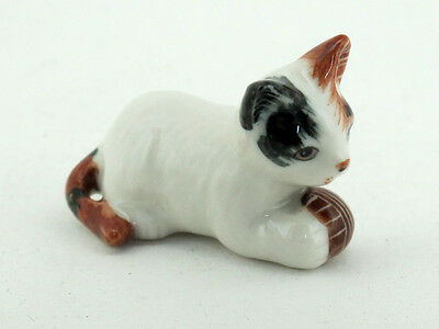 Hand Painted Miniature Collectible Ceramic Porcelain Cat with Ball FIGURINE