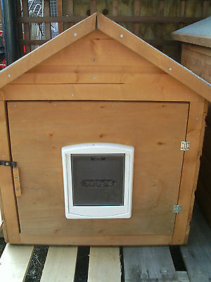 """Large Cat House/Kennel/Shelter, With Cat Flap. """"Cosy Cat Hotel"""""""