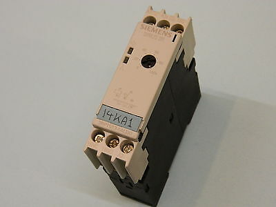 Siemens 3RP1513-1AQ30 On delay Timer 5-100S 110vac 24vacdc Relay 230vac3A SPDT