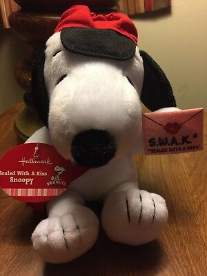 Hallmark 2012 Sealed with a Kiss - Valentines Day Peanuts Plush - #VTD5011