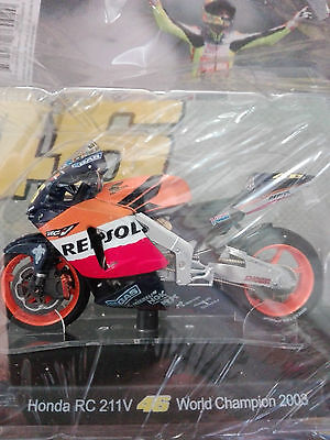 Valentino Rossi Collection Honda Rc 211V  (2003) Scala 1:18