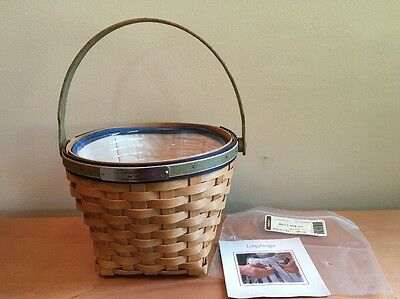 Longaberger 2005 BEE Basket with Liner & Protector