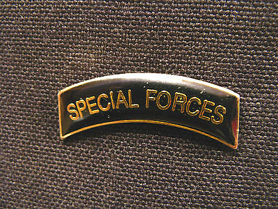 """""""special Forces"""" Very Small Vintage Lapel Pin Uk Import"""