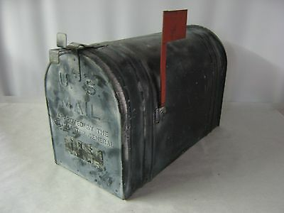 LARGE VINTAGE RUSTIC GALVANIZED STEEL OLD FARM MAILBOX Manufacturing Date 12-66