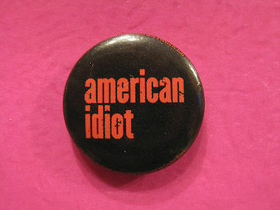 """Green Day New Badge  Button Pin Uk Import """"american Idiot"""""""