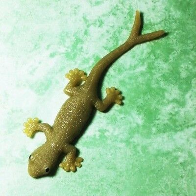 Lizard Animal Realistic Rubber Fake Stretchy Reptile Lifelike  2 Tailed Rare x12