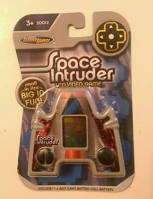 Techno Source Space Intruder Keychain Lcd Video Game, New