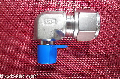 SSP Grip® 1/2 Tube OD x 1/4 NPT Male Pipe 90 ELBOW CONNECTOR 316 Stainless Steel