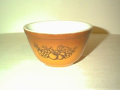 Nice Vintage Pyrex Old Orchard Mixing / Nesting Bowl 1 1/2 Pint # 401