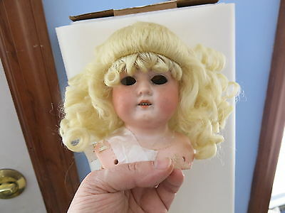 Size 6 Pale Blonde Robyn Synthetic Mohair Wig Antique Modern Doll