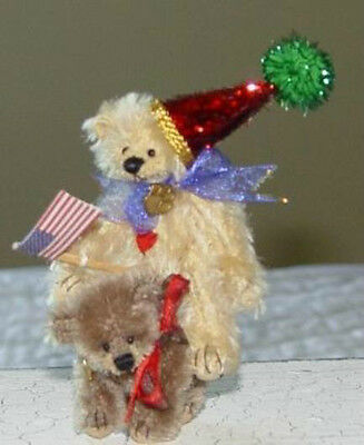 """Deb Canham  """"birthday And Bash"""" Special 2002 Miniature Set Of 2 Bears"""