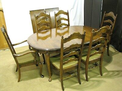 Ethan Allen-Baumritter Solid Maple Dining Table, 2 Leaves & 6 Chairs; Near Mint