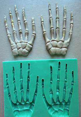 Silicone Mould / HALLOWEEN / Skeleton hands - left and right
