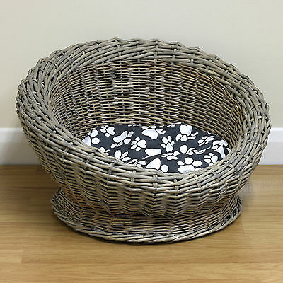 Small Round Woven Natural Wicker Shabby Chic Pet Bed Basket Cat/Kitten/Puppy/Dog