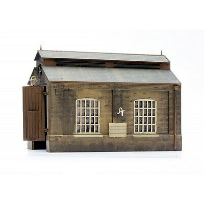 ENGINE SHED 140x75x100mm OO HO scale Plastic kit by DAPOL C007