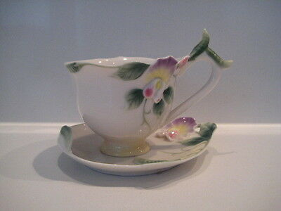 Ornate Franz Porcelain Pretty Sweet Pea Cup And Saucer Fz00421 Cabinet Teaset