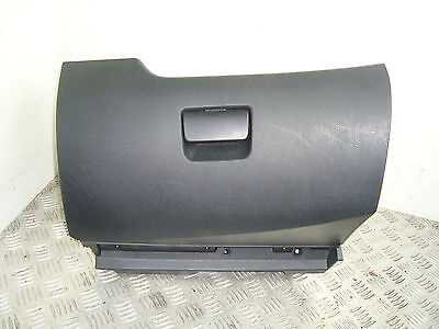 Peugeot 207 1.4 16V 8FS Glove box