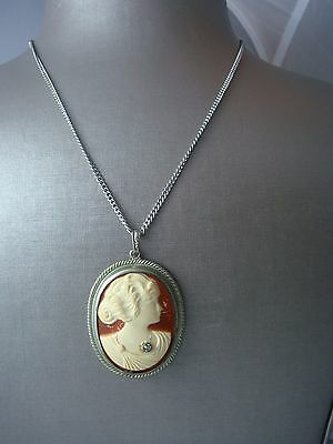 "VINTAGE SILVER TONE RESIN CAMEO PENDANT ON 17"" CHAIN w RHINESTONE JEWEL"