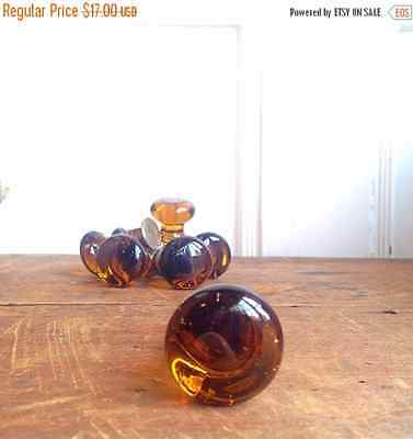 ON SALE 40% OFF Free Shipping, Vintage Brown Glass Hoosier Knob, E2185
