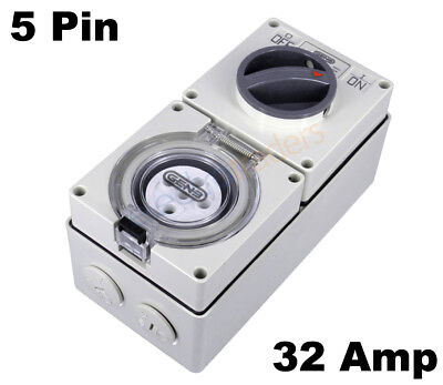 GEN3 32 AMP 3 Phase 5 Pin Round Switched Socket Combination