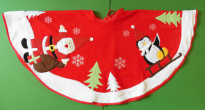 Christmas Tree Skirt - RIBBED FELT DESIGN WITH PENGUIN/SANTA PICTURE 90 X 60CM