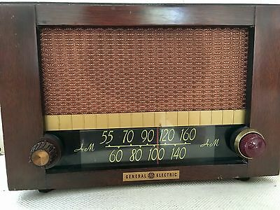 General Electric Antique Vintage AM Tube Old Radio Wood Made Works Great
