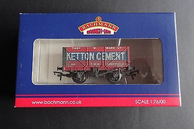 Bachmann 37-134A OO 8 Plank Wagon KETTON CEMENT Weathered,New