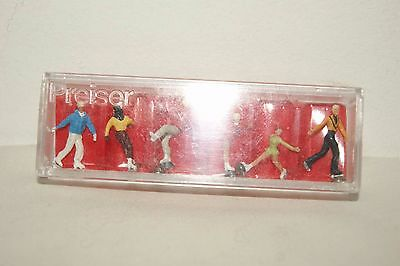OO HO gauge EXCELLENT Preiser Set of 6 Ice Skaters NICE and BOXED