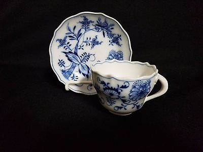 Meissen BLUE ONION (OVAL BACKSTAMP) SCALLOPED - Cup & Saucer