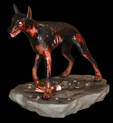 Hollywood Collectibles Group - Resident Evil: Zombie Dog Cerberus 1:6 Scale