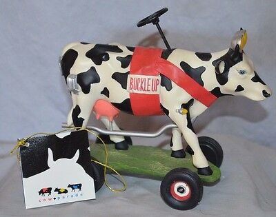 NEW Cow Parade 9144 Buckle Up Betsy 2002 FIGURINE RETIRED ORIGINAL BOX & TAG