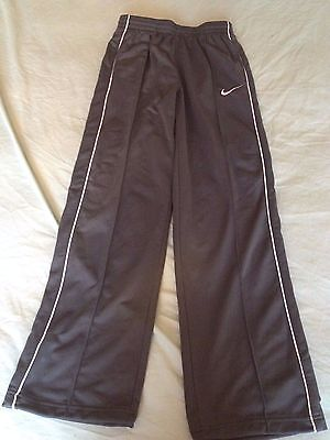 girls nike tracksuit bottoms good condition size  12-13 years