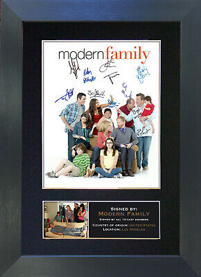 MODERN FAMILY Signed Mounted Autograph Photo Prints A4 284