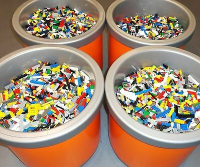 5 Minifigs + 2 POUNDS OF LEGOS Bulk lot 100% Lego Star Wars, City, Etc.