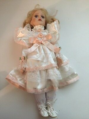 Queenanne Porcelain Doll Collection Girl In White And Peach 16 Inches