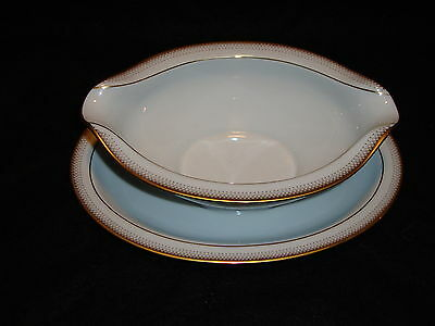 "Noritake "" Joanne "" Gravy Sauce Boat Dish With Attached Underplate Mint"
