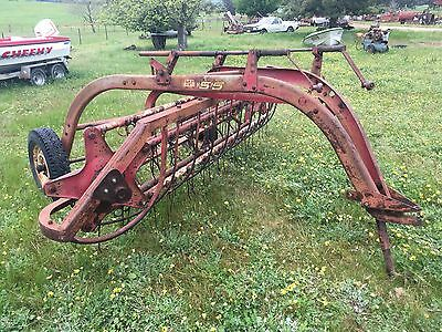 Hay Rake New Holland 55  Roll A Bar