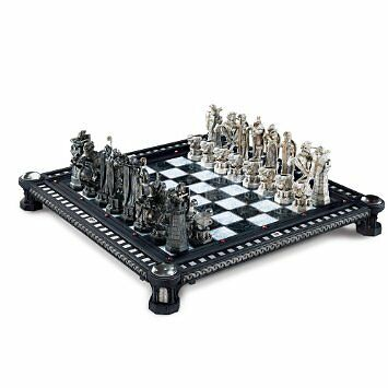 Harry Potter Final Challenge Wizard Chess Set  Collectable The Noble Collection
