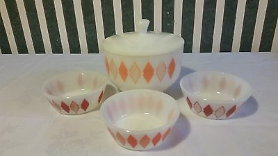 Federal Glass Diamond Covered Bowl With 3 Serving Cereal Desert Bowls