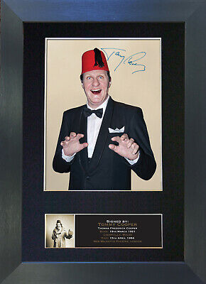 TOMMY COOPER Signed Mounted Autograph Photo Prints A4 372