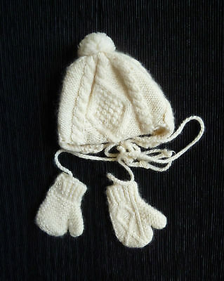 Baby clothes UNISEX BOY GIRL 0-3m soft cream hand-knitted over ear hat+mittens