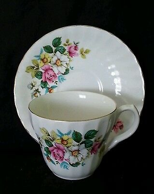 Vintage Aynsley England bone china tea cup & saucer, circa 1940's