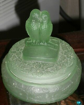 Antique Lovely  Green  Glass  ** Doves  Trinket ***