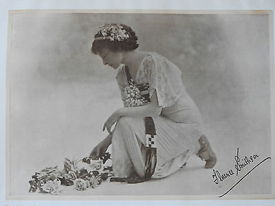 VERY EARLY FLORENCE SMITHSON  SIGNED  PORTRAIT PHOTOGRAPH EARLY C19th