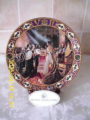 Royal Doulton Kings & Queens Of The Realm Queen Victoria CoronationCabinet Plate